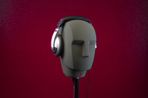 headphones-764864_1920