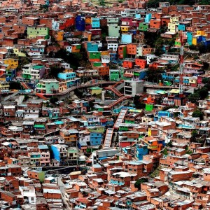 Panorámica de la Comuna 13-San Javier en la ciudad de Medellín, Colombia. Foto de Luis Henry Agudelo